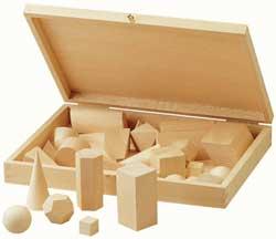 cuerpos geométricos en madera