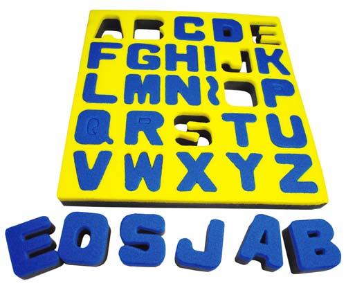 Esponjas de alfabeto en mayúsculas