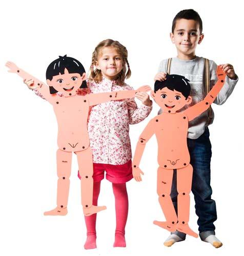 Muñecos articulados niño y niña detalle 4