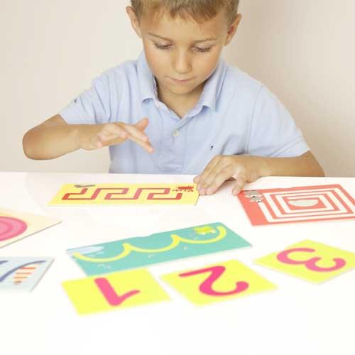 Tacto fichas de números y pre-escritura detalle 6