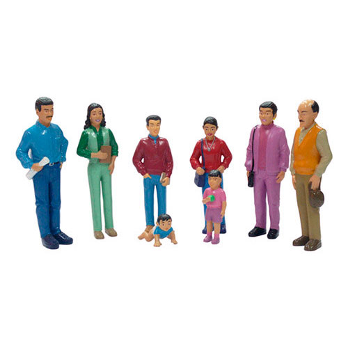 Familia latinoamericana 8 figuras detalle 2