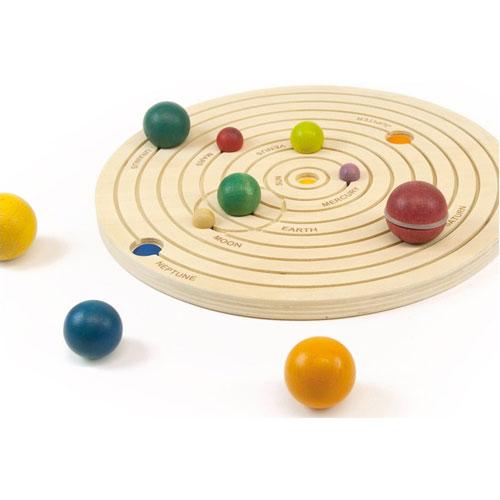 Sistema solar 3D en madera detalle 3