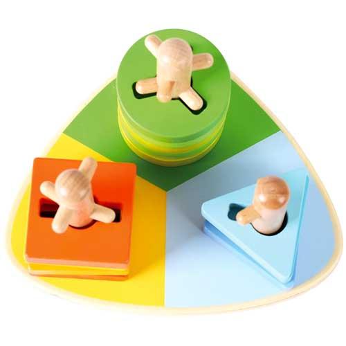 Apilable triangular 3 formas madera detalle 1