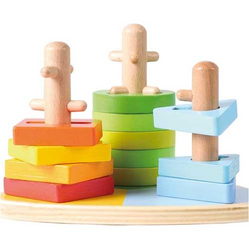 Apilable triangular 3 formas madera detalle 2