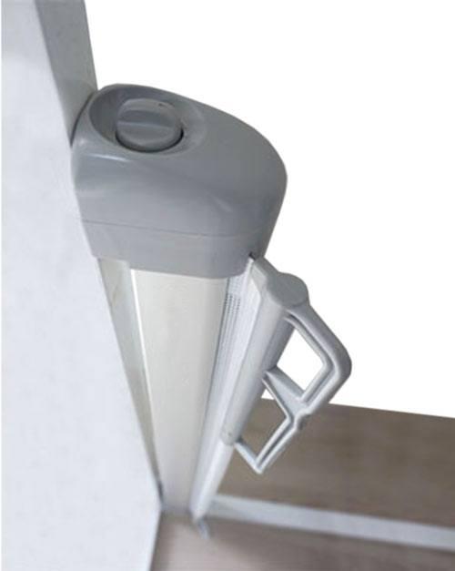 Puerta extensible de seguridad gris claro detalle 1