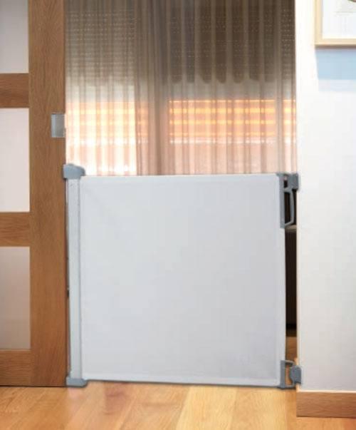 Puerta extensible de seguridad gris claro detalle 4