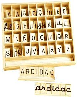 Alfabeto madera mayúsculas y minúsculas