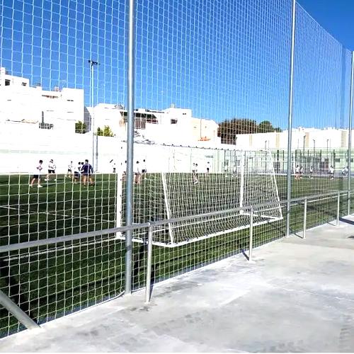 Poste galvanizado de 7 metros para red de protección