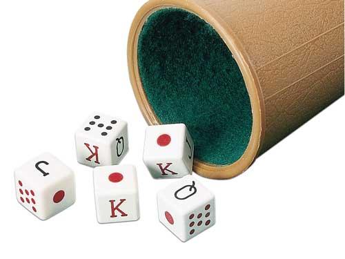 Dados de poker con cubilete forrado detalle 2